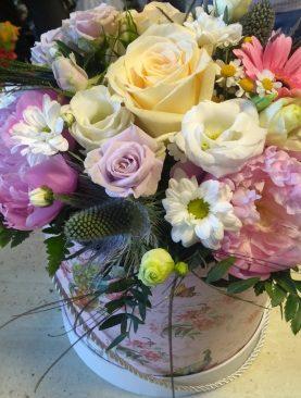 Letný mix rôznych druhov kvetov