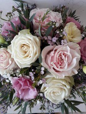 Box kvetov v odtieňoch ružovej